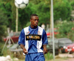 En el verano del 2001 abandoné el RCD Espanyol para convertirme en el primer jugador español, y guineano, menor de 20 años en fichar por un equipo de la Liga Inglesa.